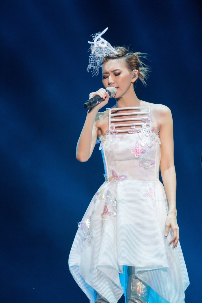 stefanie-sun-kepler-world-tour-2015-9