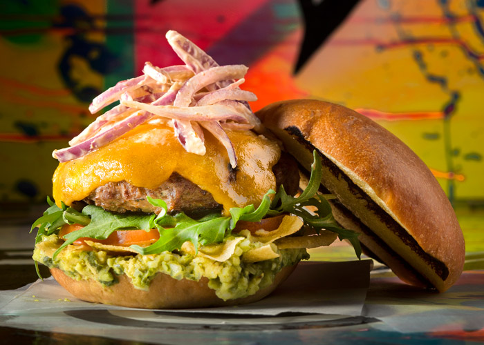 The-Raven-Burger-Cemita