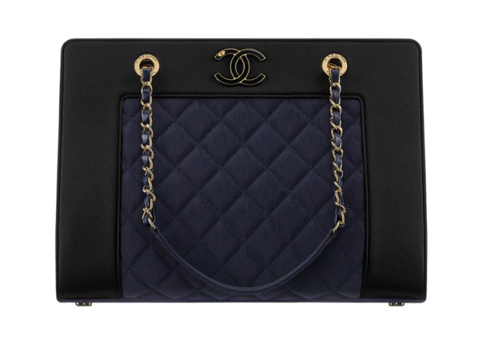 grosgrain-satin-chanel-shopping-bag