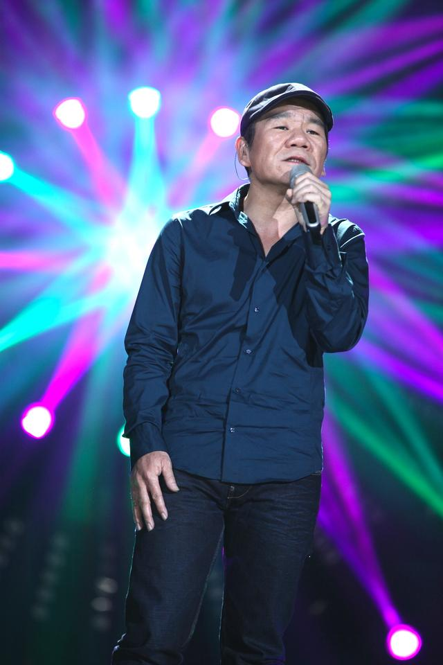 Zhao Chuan in I Am A Singer Season 4 Round 1