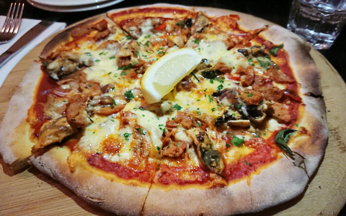Their wood-fired pizzas are very good. This spicy mussels pizza is one of the specials that night