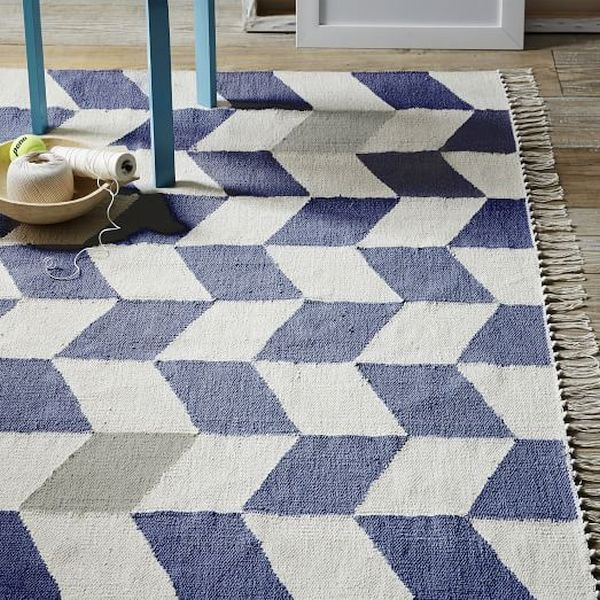 Go The DIY Route And Make A Rug Out Of Your Old Tablecloth