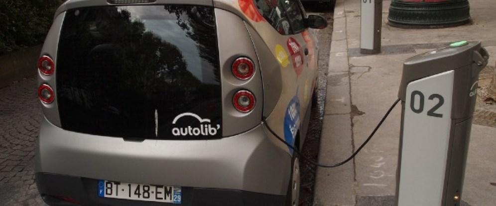 Autolib Electric Car Charging
