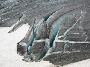 glacier in switzerland Study Reveals How Carbon Dioxide Accelerates Glacial Melting