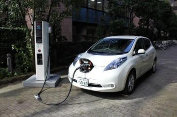 leaf charging Forecast: 3.8 Million EVs Sold by 2020