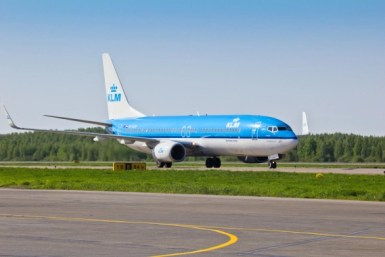 green airplane KLM to Introduce New Weekly Bio Fueled Transatlantic Flights