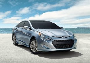new car Hyundai's 2013 Sonata Hybrid an Overall Upgrade on 2012 Model