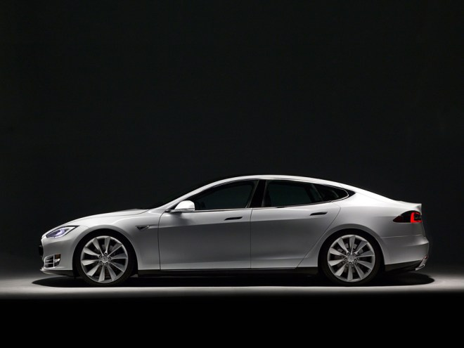 model s 1024x768 f Tesla Model S P85 vs Jaguar XF, Kind of Sad, Really