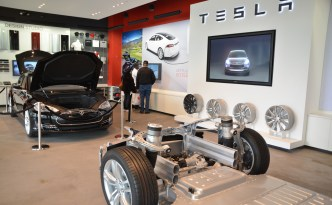 Tesla Motors' Electric Vehicle, Left Out of Connecticut Electric Vehicle Sales Incentive Program