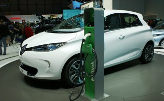 "Renault Electric Vehicles, Not ""Green Enough"" for France"