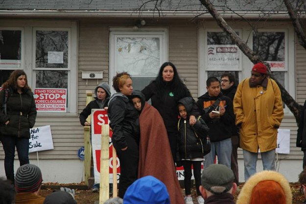 VP Candidate Cheri Honkala rallies with Occupy Homes MN to protest Freddie Mac policy at vacant Cruz home