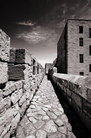 The Story Behind Jerusalem's Royal Rock