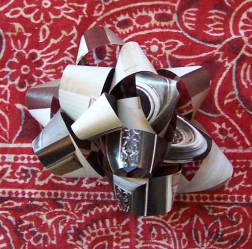 Think Again: Make a Last Minute Gift Bow with Reused Paper