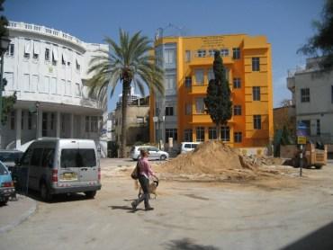 Bialik Square Loses Famous Centerpiece