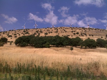 """Are Golan Heights Wind Turbines Taking a """"Back Seat"""" to Solar Power?"""
