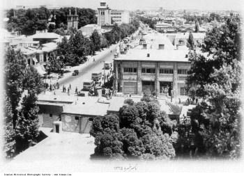 Tehran_Naserkhosro_Street_1946