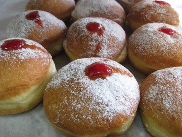 Hannukah Sufganyot (Jelly Donuts) Recipe