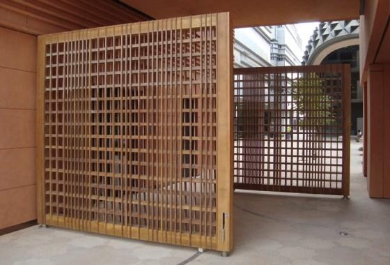 palmwood-gates-masdar