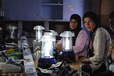 Barefoot College Bedouin Women Bring Solar Power to Jordan
