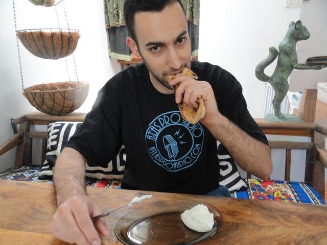 One-handed Whole Wheat Pita Recipe, the Old Yemini Way
