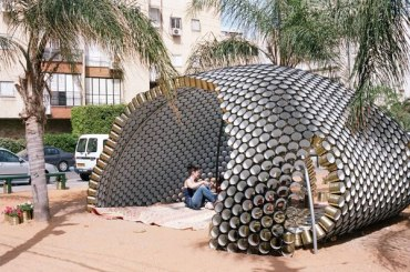A Shining Arc in Israel is Made Entirely Out of Reused Soup Cans