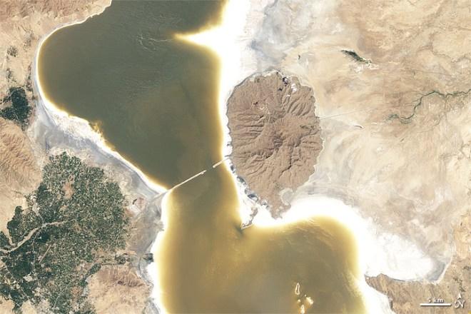 NASA, satellite images, Lake Urmia, Orumiyeh, climate change, shrinking lake, ecosystem collapse, Iran, environmental activism