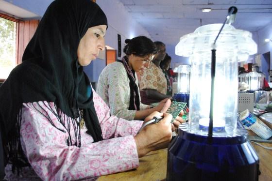 Barefoot college, solar women, solar mamas, jordan bedouin, refea