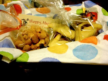 Celebrate Purim with Friendly Purim Baskets