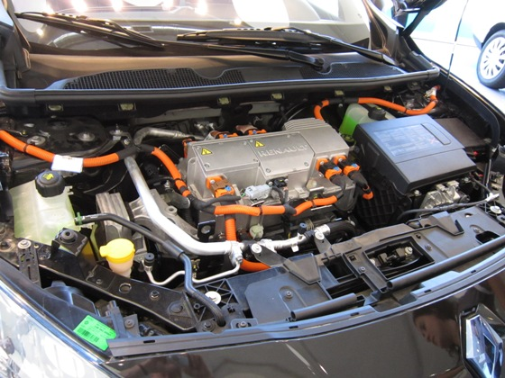 Israel better place car battery, with Renault, under the hood