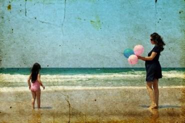 Pink Balloon Protest: Lebanese Reclaim Beirut Beach