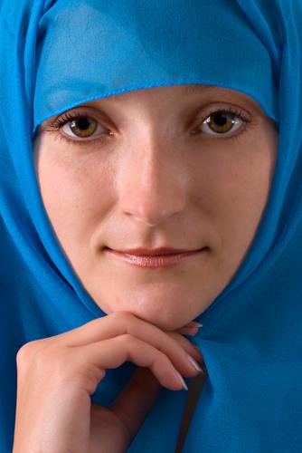 Female Arab Athletes With Headscarf Problems, Again?