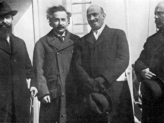 Albert Einstein With Chaim Weizmann photo 1921