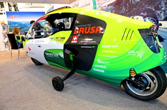 Zerotracer, green transportation, Masdar City, Abu Dhabi, electric motorbike, world's most efficient luxury vehicle, the bike that wears its own helmet, Swiss design, electric vehicle