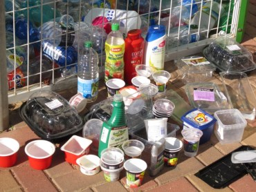 Recycling Plastic Bags and Bottles- a Few Easy Ways