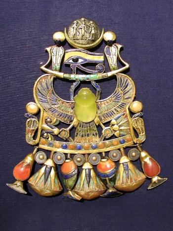 tutankhamuns_comet_brooch