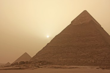 Cosmic rays reveal the secrets of Egypt's pyramids!