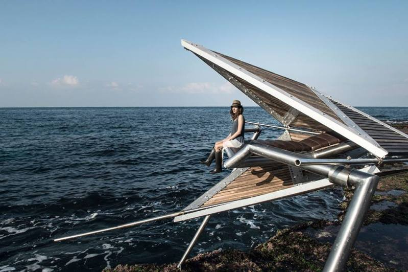 IRIS sea pods make energy and a social statement in Beirut