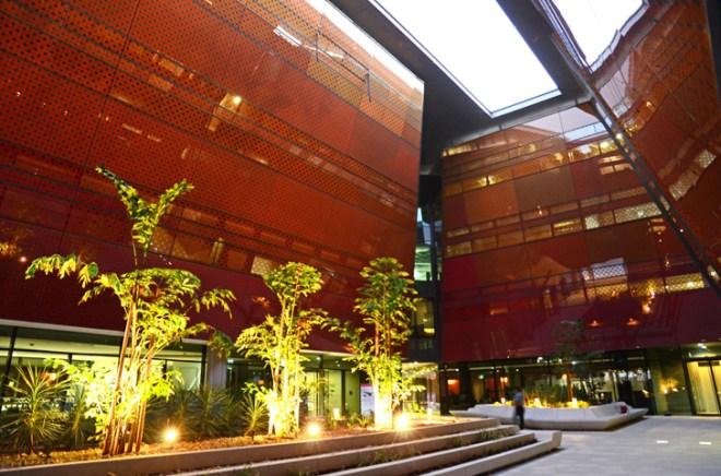 Masdar Incubator Building, Foster & Partners, clean tech, free economic zone, green design, Masdar City, Abu Dhabi