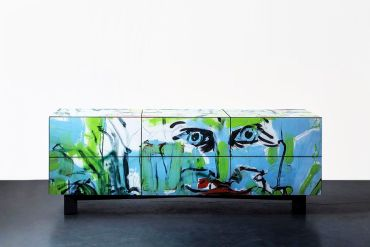 Tel Aviv graffiti made into sexy furniture (PHOTOS)