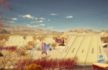 Shapeshifting shelters for refugees in hot and cold climates
