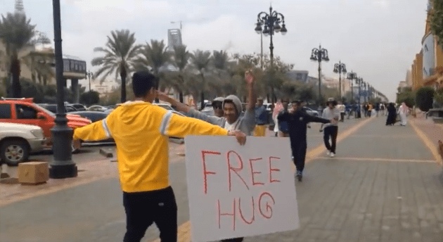"Saudi Arrested for Offering ""Free Hugs"" (video)"