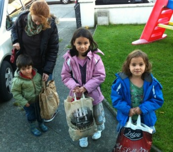 irish_children_donating_hats_for_syrian_children