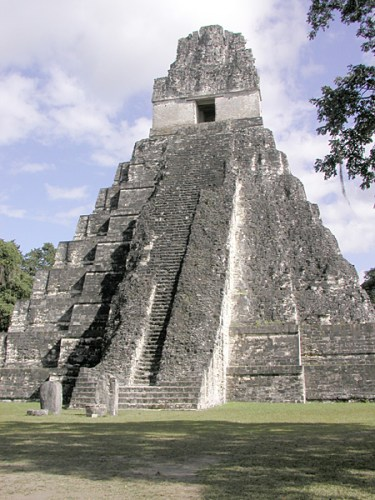 Pyramid in Tikal, Guatemala Photo by Aquaimages- The Pyramids of America – Greetings from the Past