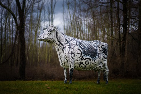 francesca_the_cow_sculpture_by_gregory_beylerian_1