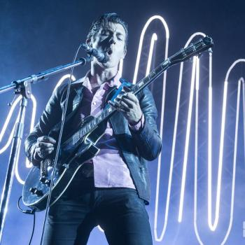 Arctic-Monkeys-staples-photos