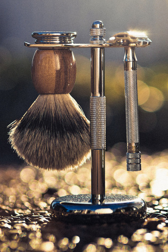 Photo of the safety razor stand.