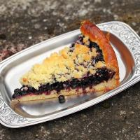 Blueberry kuchen with streusel topping