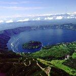 Lago de Güija  rodeado por varios Volcanes -Jutiapa  Guatemala