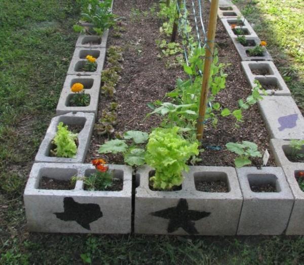 10 idee per utilizzare i mattoni in giardino guida giardino for Bloques decorativos para jardin