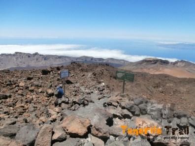 Llegando finalización del sendero 9 al fondo Pico Viejo
